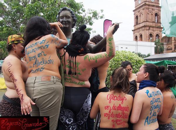 Indias, putas y lesbianas